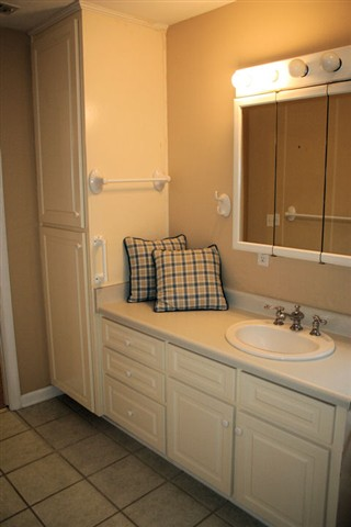 Pillows make the bathroom!